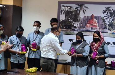 Honor of Cleaning Staff on Swachhta Pakhwada