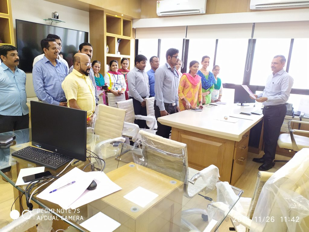 State Informatics Officer administers oath on Constitution Day