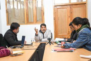 Secy Biswas reviews functioning & progress of Van Dhan Kendras