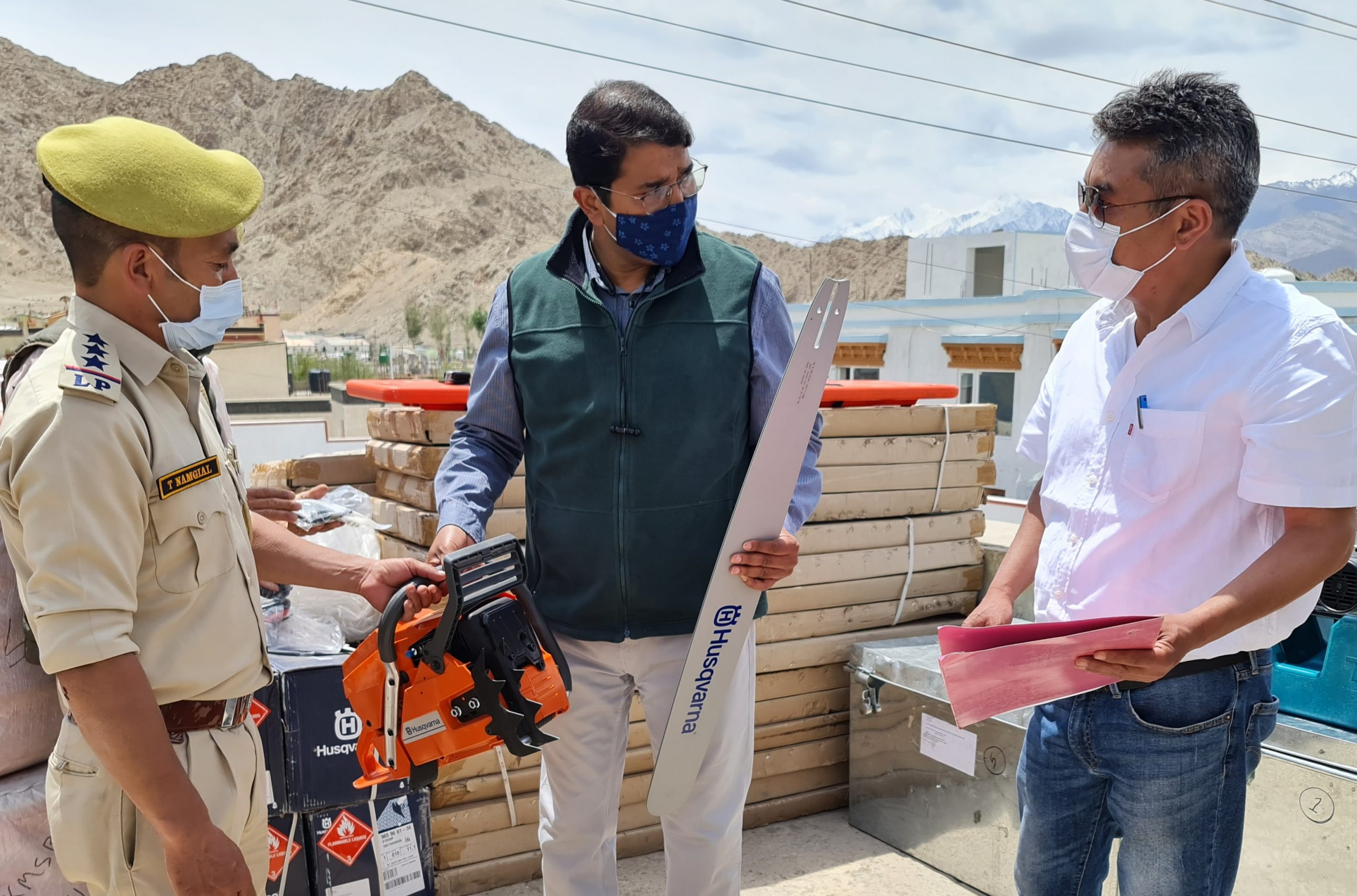 Secy Disaster Management, Ladakh inspects Search and Rescue equipment at Ladakh