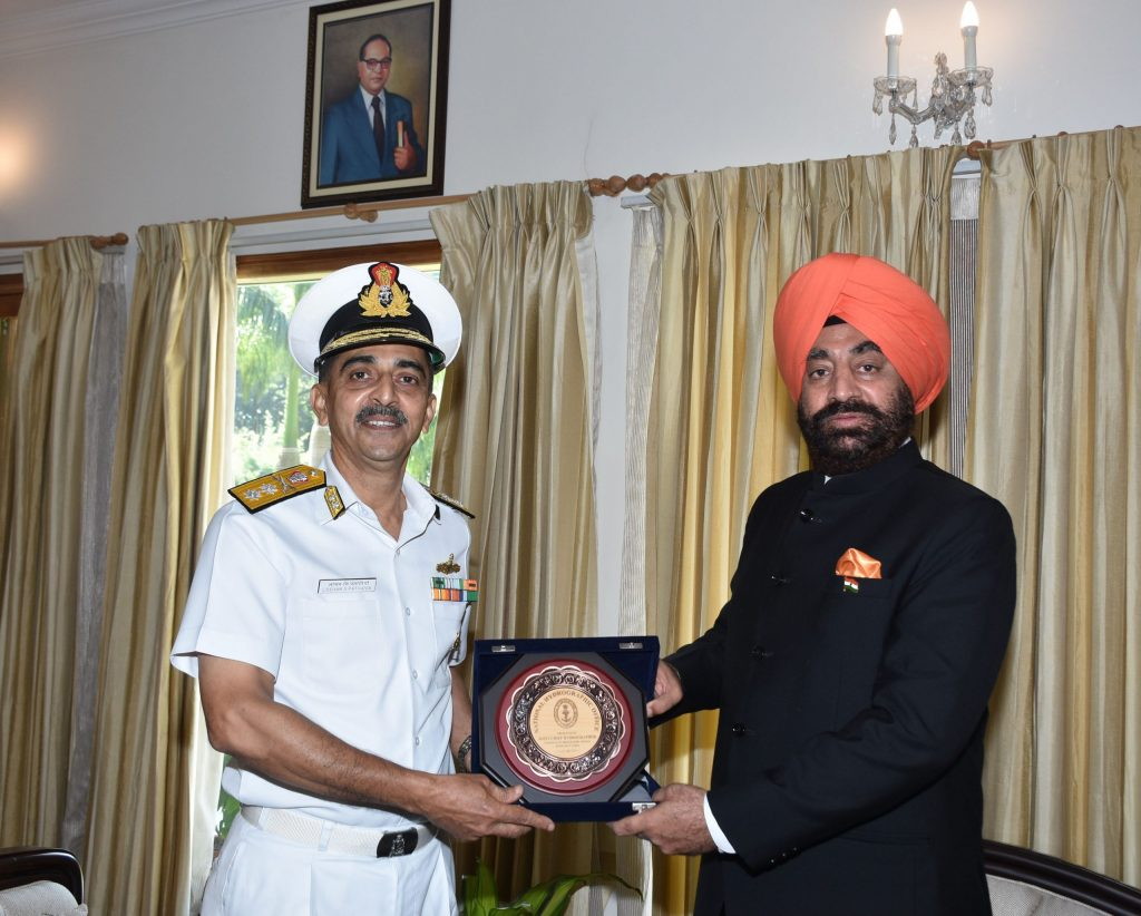 Rear Admiral Lochan Singh Pathania, Joint Chief, Hydrographer courtesy call on the Governor.