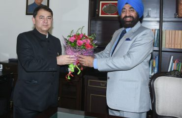 Director General of Information and Public Relations Department, Uttarakhand Shri Ranveer Singh Chauhan called on Governor