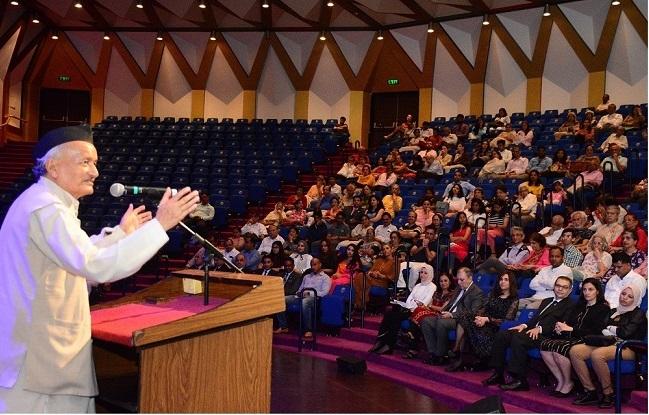 राज्यपाल भगतसिंह कोश्यारी यांनी 'इजिप्त बाय द गंगा' सांस्कृतिक महोत्सवाचे उद्घाटन केले. इजिप्तच्या भारतातील राजदूत डॉ. हिबा एलमरासाई, इजिप्तचे मुंबईतील वाणिज्यदूत अहमद खलील, भारतीय सांस्कृतिक संबंध परिषदेच्या प्रादेशिक प्रमुख रेणू प्रितियानी व अन्य मान्यवर उपस्थित होते