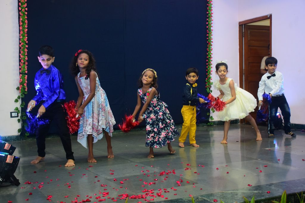 Governor witnessed a cultural programme presented by the children of Raj Bhavan parivar