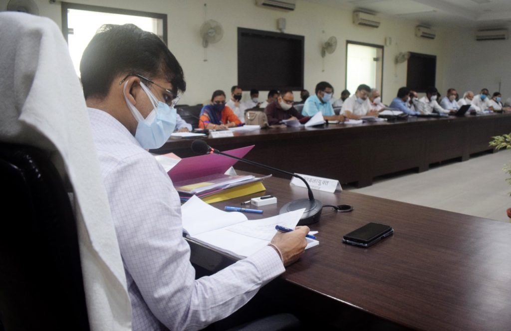 Divisional review meeting of non-tax revenue collection and development projects on priority